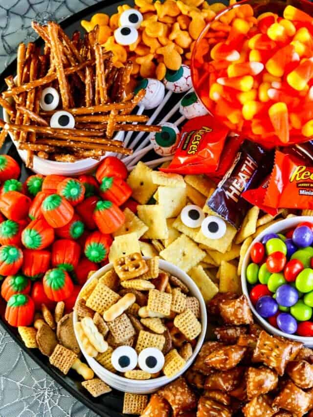 cropped-Overhead-Halloween-Snack-Tray.jpg